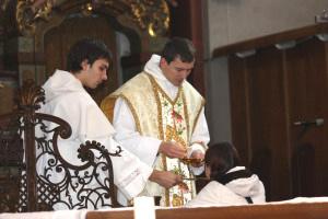 Corpus Domini nostri Jesu Christi custodia te ad vitam aeternam. Amen.